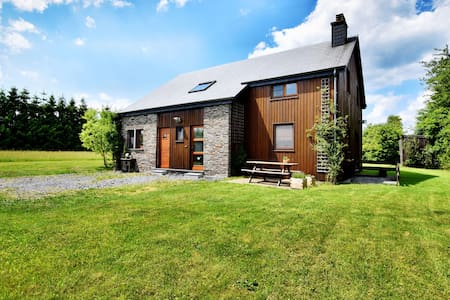 Countryside Holiday Home in Mont with Terrace and Garden