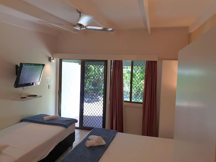 Magnetic Island Resort. Sleeps 3. Free WIFI