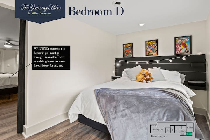 Bedroom D with Queen bed
