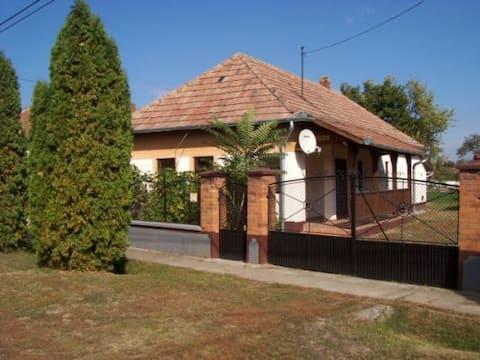 Typisch Hongaars huis kortbij Eger
