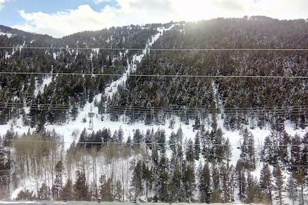 Loft a few steps from ski slopes - Soldeu