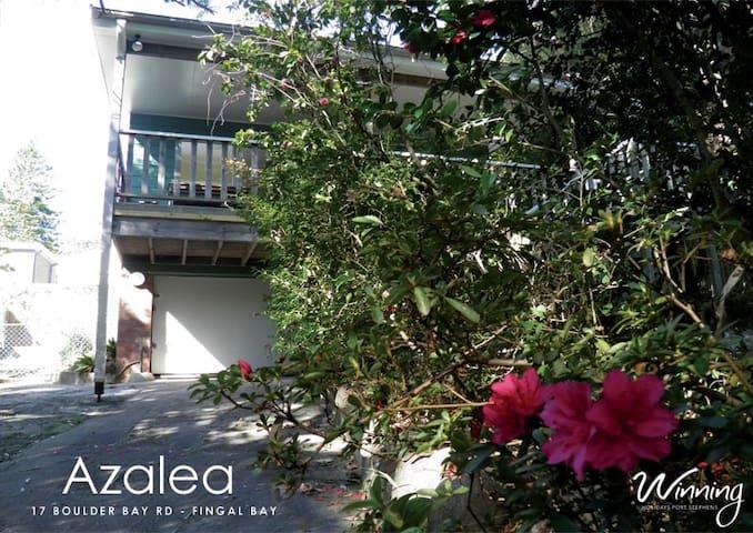 Azalea - Fingal Bay - Ev