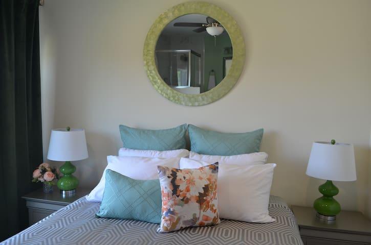 Luxury Retreat at Hilltop Manor