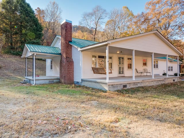 DarlingCountryDwelling, sleeps 6, fish, hike, bike - Chattanooga