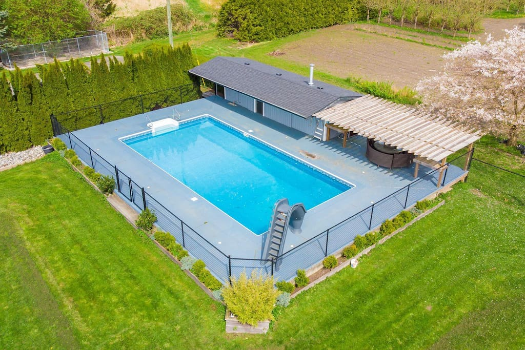 Executive Home On Acreage With Saltwater Swimming Pool