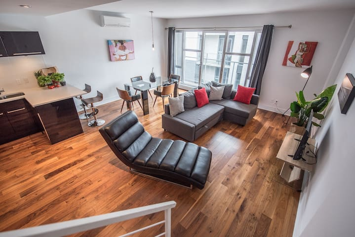 2-Floored Penthouse + Terrace Downtown Montreal