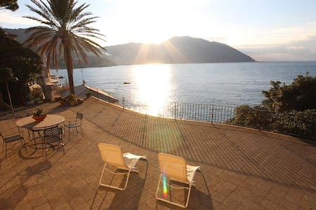 Terrace facing the sea. Swimming a step from home. - Recco