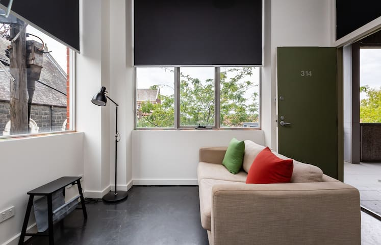 Cute FITZROY feel 1BDR | Hospital | ACU