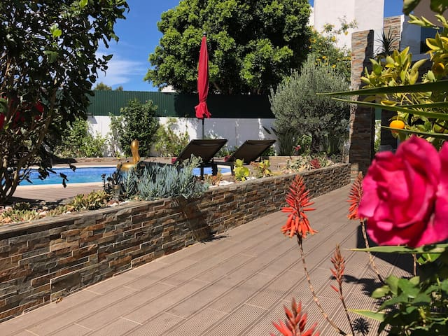 Villa Milflores -Appart Laranja- Shared pool-