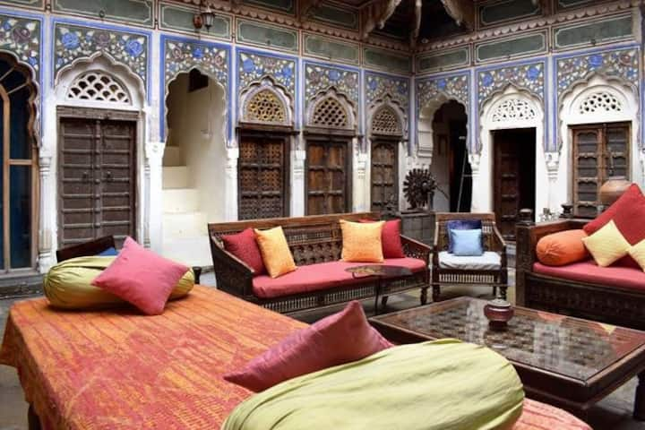 Room In A Heritage Haveli | All Meals Included!