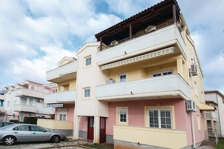 2 Bedrooms Apts in Funtana - Funtana - 公寓