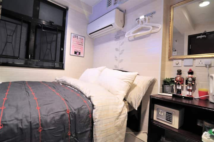 30% OFF! C1 Tsim Sha Tsui Metro 2 pax w/ Toilet