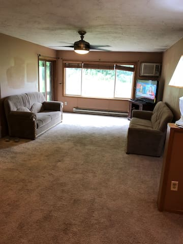 Home Away From Home - 3 BEDROOM Place (Private)