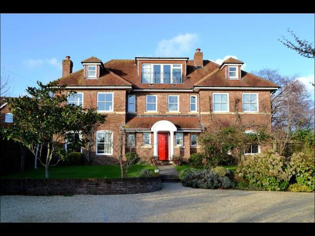 Stylish Family Home Central Lymington - Lymington - Talo