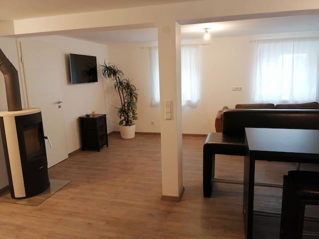 Neu renovierte Wohnung - ruhig und naturnah