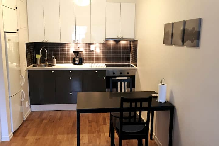 Apartment in quiet and central residential area