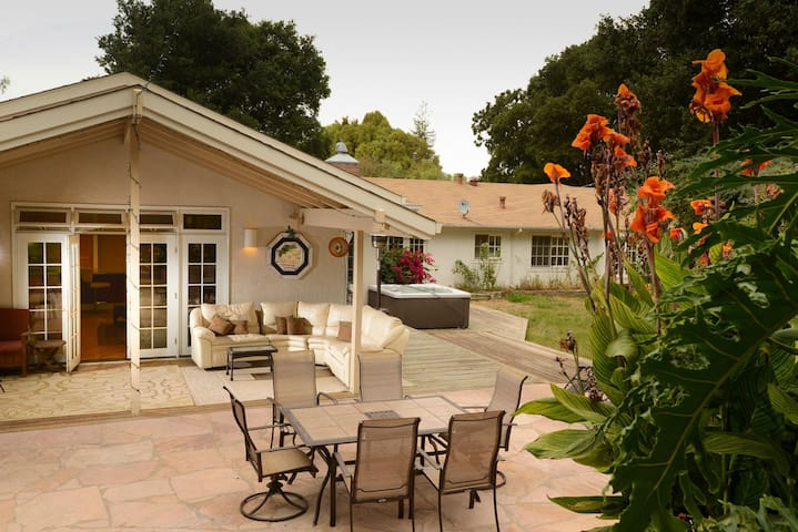 Big, bright house & gardens-near Palo Alto, Oracle - Woodside
