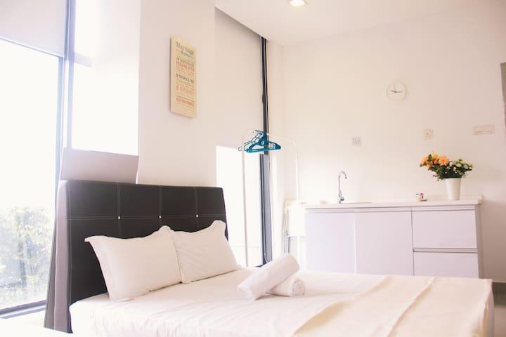 We Sanitise #5A PJ5 Soho Studio (Own Shower/Wifi)