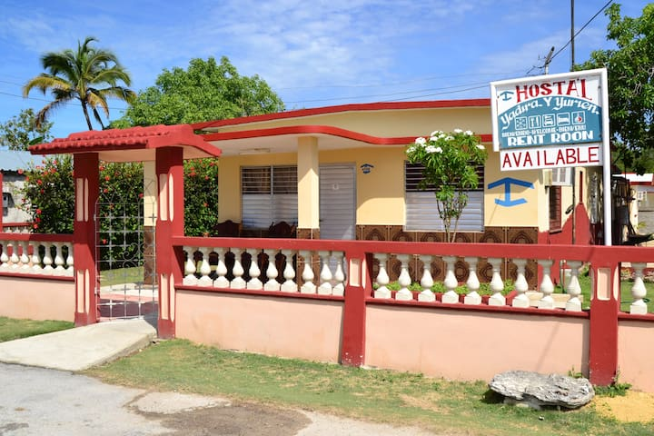 Hostal Yadira & Yurien - Playa Giron - Bed & Breakfast