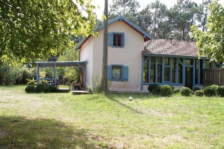 maison landaise ancienne rénovée, option roulotte - Magescq - Haus