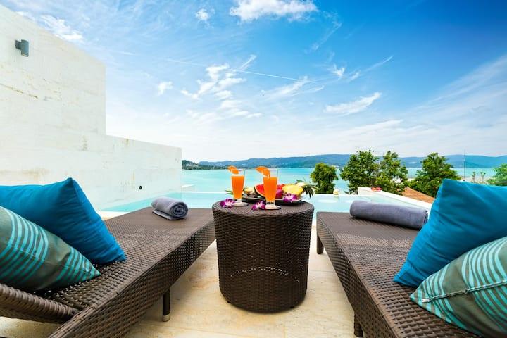 Gorgeous 4 BR lux villa ocean, beach & sunset