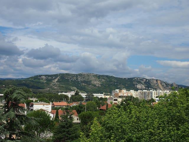 Chb 1 ou 2 pers. avec vue sur l'Ardèche - Valence - Apartment
