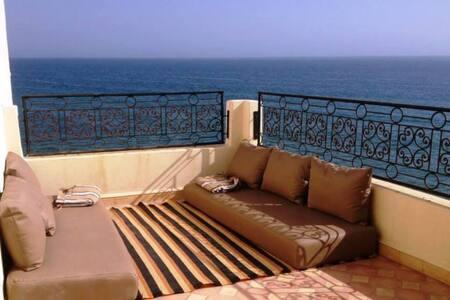 Maison de plage à Taghazout centre front de mer !