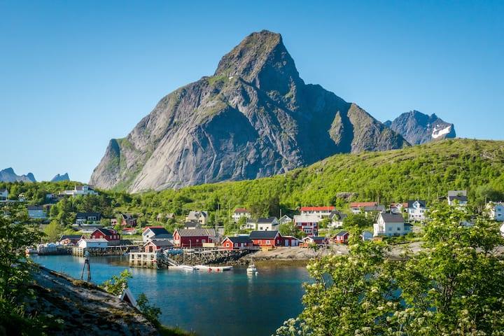 Reinefjorden Lodge
