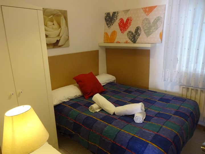 34cBarcelona Sabadell private room-SharedApartmen