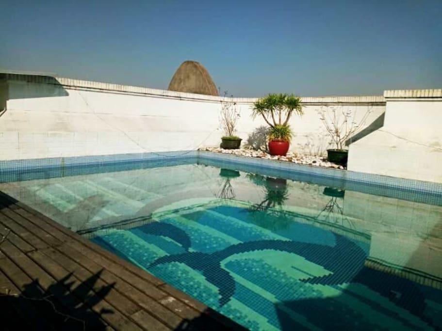 顶层的私家泳池的实景,夏天开始开放使用
