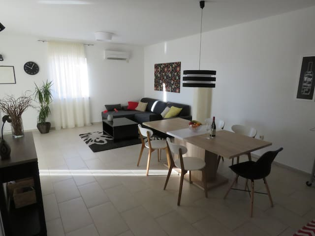 Apartment Vertel - with private pool and garden - Matulji - Apartment