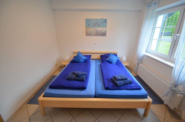 Gaststätte Zur Hahnenquelle, (Kirchhundem), Dreibettzimmer, max. 4 Personen