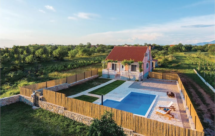 Beautiful home in Pokrovnik with Outdoor swimming pool, WiFi and 2 Bedrooms
