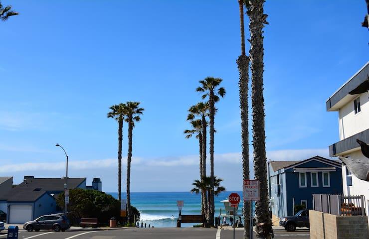 1 BLOCK FROM OCEAN- Sleeps Up To 8 - Oceanside - Condominium