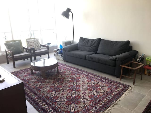 Spacious 2BR, 10 minutes from Tel-Aviv center