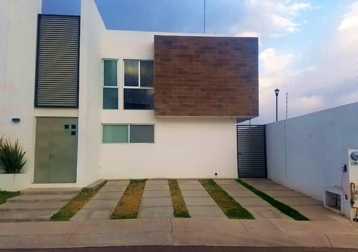 Hermosa Casa Lujosa en Coto privado