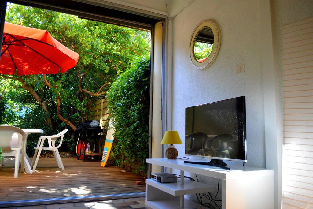 Séjour et terrasse