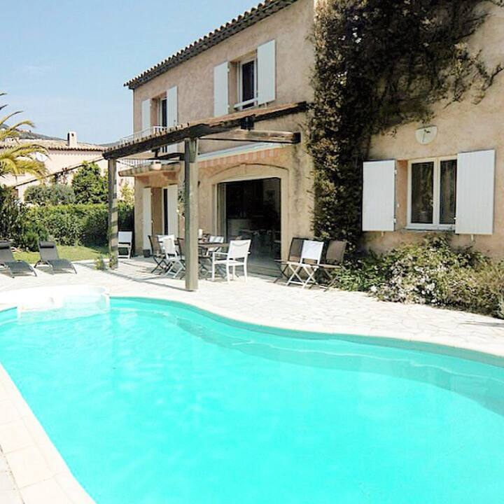 «Villa Philia» climatisée- piscine chauffée