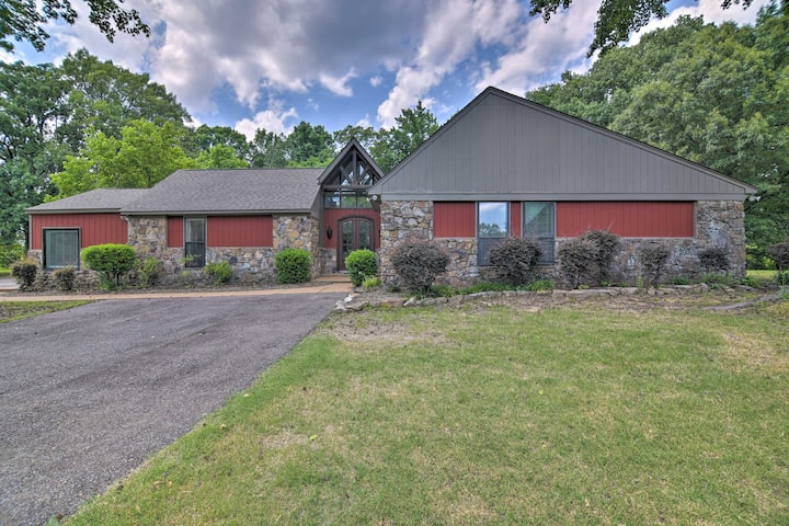 Spacious Southaven Home on 8 Acres w/ Private Pool