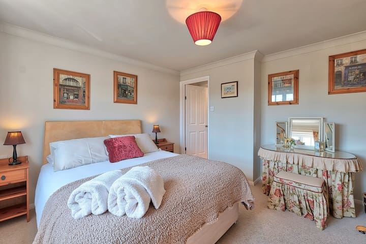 Double bedroom, ensuite, cricket pitch view