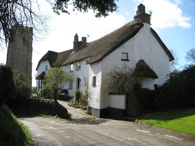 Beautiful Thatched Devon Cottage near beach - Woodbury - Rumah