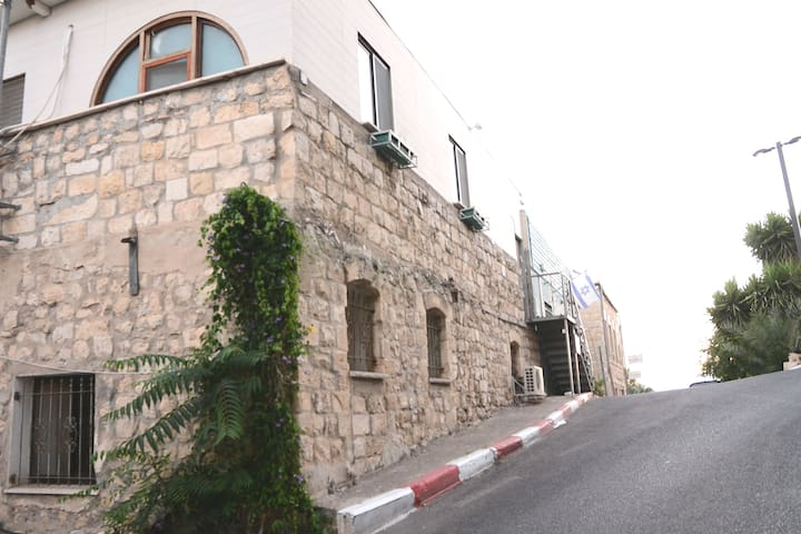 Metzuda Apartment.Old city Tzfat.Lech Lecha Suites