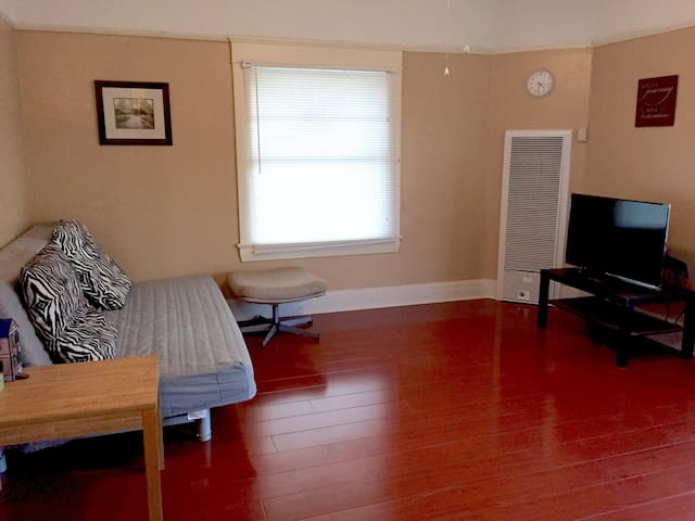 Cozy Apt Close to Cal Poly & Claremont Colleges - Pomona - Apartment