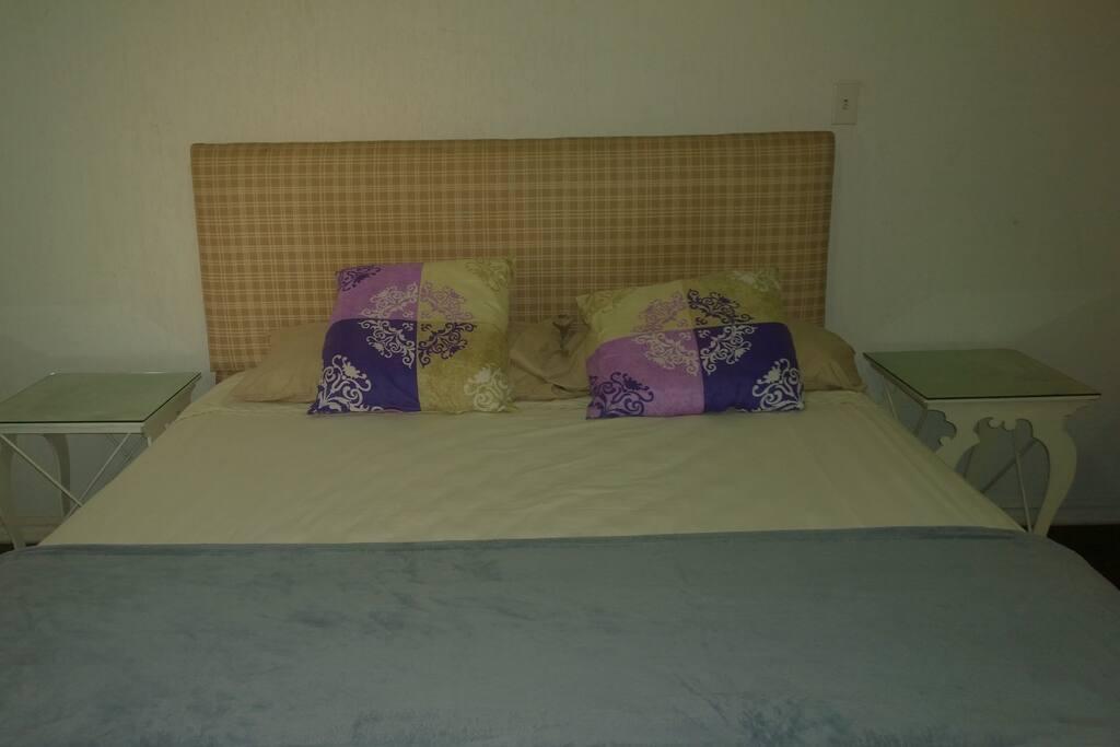 No 3 jovial cuarto con ba o in rosarito baja california for Pabellon para cama king size
