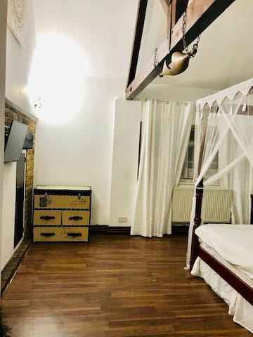 Kingsley  - Large Double Room