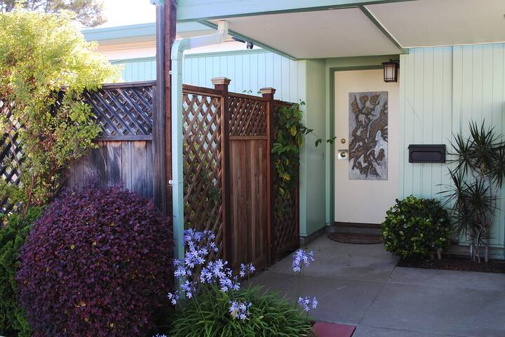 Spacious private room in beautiful Alameda home - Alameda