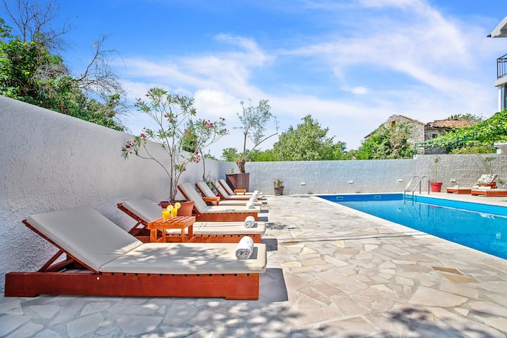 Villa Cesarica with private swimming pool