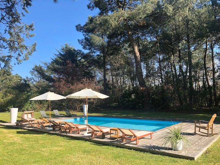 «La Pignada» villa avec piscine au cœur des pins