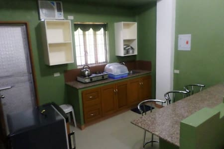 Fully Furnished studio unit Stanley House in Imus - Imus City - Apartamento