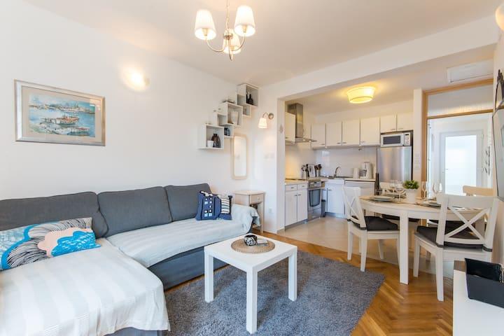 Three bedroom apartment Flora in Dubrovnik